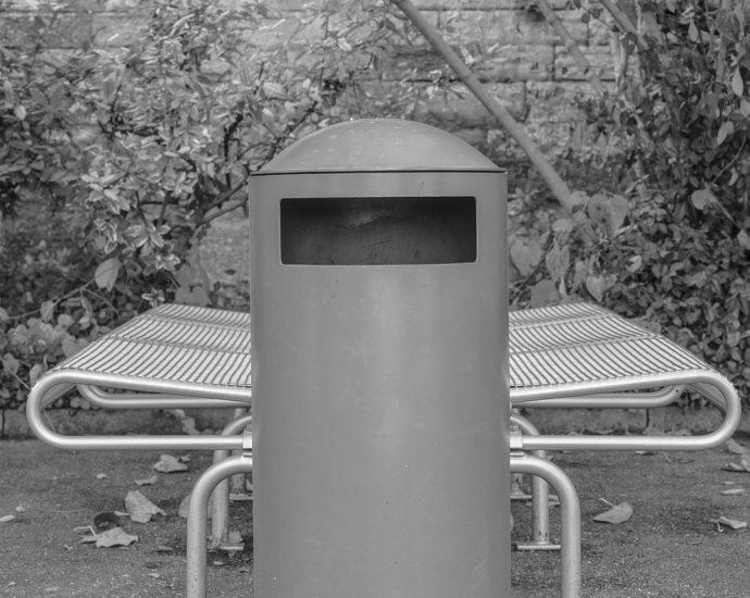 Jak dziś wybiera się kosze na śmieci?