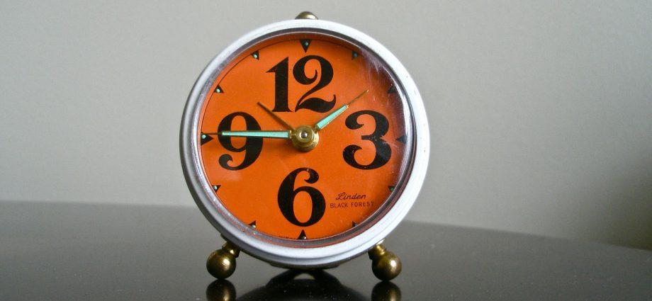 Udane wnętrze – stylowy zegar