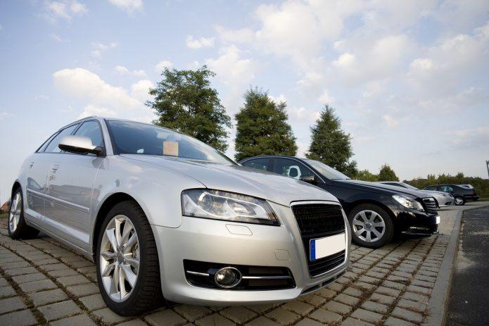 Kupowanie używanych samochodów